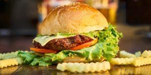 enjoy-a-nice-burger-at-rosemary-cafe-guilin