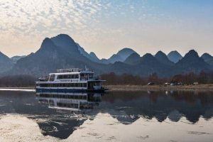 a-cruise-junk-on-the-li-river