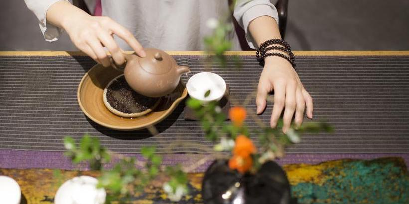 tea-ceremony-at-aroma-tea-house