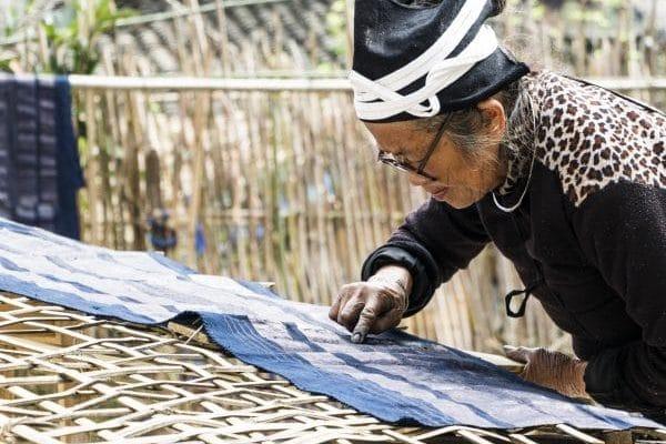 a yao old lady dying in dazhai village of longsheng