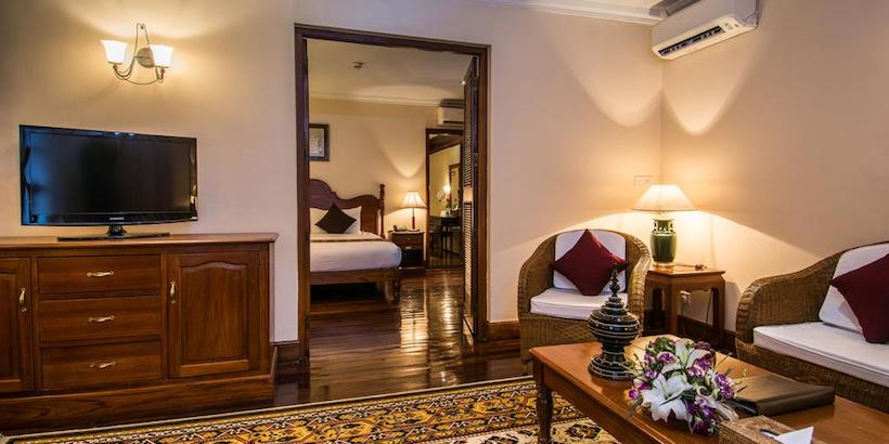 suite-with-garden-view-at-savoy-hotel-yangon
