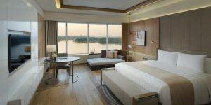 premium-lake-view-room-at-melia-yangon