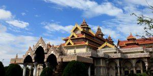 mandalay-royal-palace-is-downtown