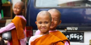 little-nuns-in-pink-robes-on-the-street-of-yangon