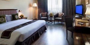 executive-king-room-at-hilton-mandalay