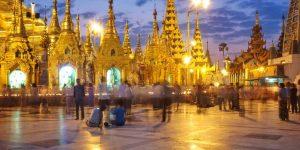 locals-doing-evening-rituals-at-shwedagon-pagoda-in-yangon