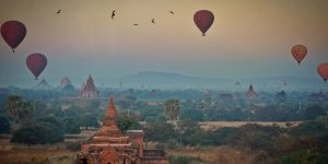 air-balloons-floating-over-bagan-in-the-morning