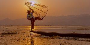 one-leg-fisherman-in-inle-lake