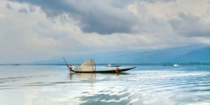 reflection-over-inle-lake