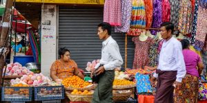 local-market-in-yangon
