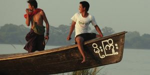two-local-fishermen-on-the-irrawaddy-river