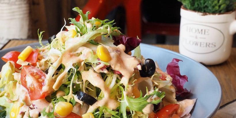 salad-served-at-sharkys
