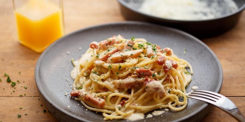 pasta-served-at-la-terrazza