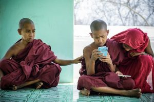 young-monks-in-a-monastery-in-mandalay