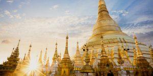 shwedagon-pagoda-at-sunset-in-yangon