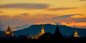 sunset-view-of-bagan-temples