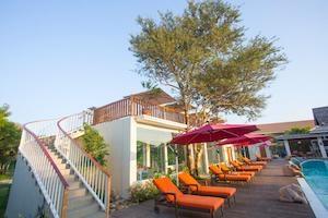 poolside-of-amataa-garden-resort