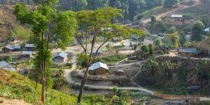 hiking-through-hill-tribes