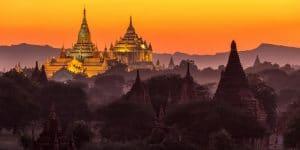 ananda-temple-in-bagan-at-sunset