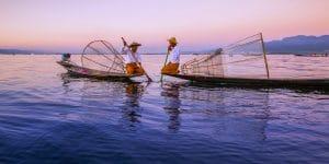 two-fishermen-on-inle-lake