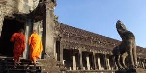 two-novices-at-preah-vihear-temple