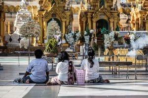 prayers-on-the-ground-of-shwedagon-pagoda-in-yangon
