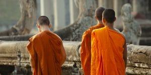 cambodian-monks-at-angkor-wat