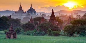 pagodas-in-bagan-under-the-morning-sun
