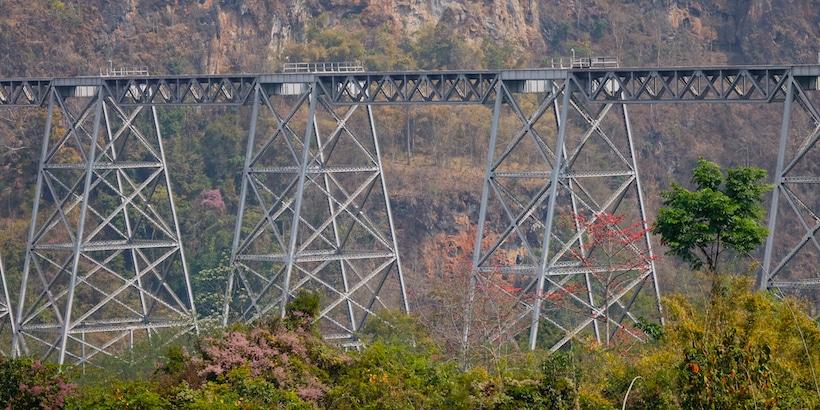 gokteik-viaduct-train-railroad-in-hsipaw