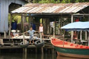 floating-house-inside-ream-national-park