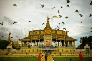 royal-palace-in-phnom-penh