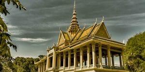 royal-palace-in-phnom-penh