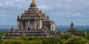 an-ancient-temple-in-bagan