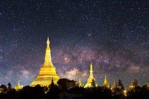 shwedagon-pagoda-under-the-night-sky-in-yangon