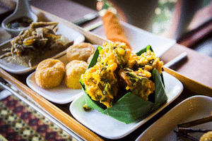fried-vegetables-at-the-shan-restaurant