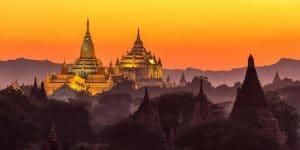 ananda-pagoda-at-dusk-in-bagan