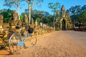cycling-around-angkor-thom