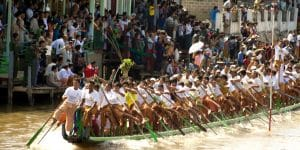 boat-race-in-inle-lake