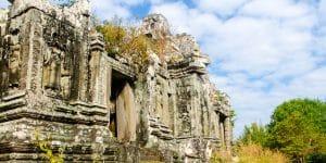 temple-ruins-in-phnom-bok