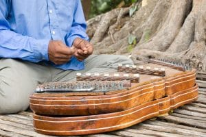 playing-traditional-khmer-zither