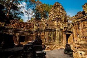 ruins-at-ta-som-temple