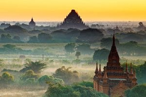 sunrise-view-from-nathlaung-temple