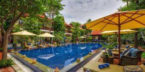 swimming-pool-at-mane-village